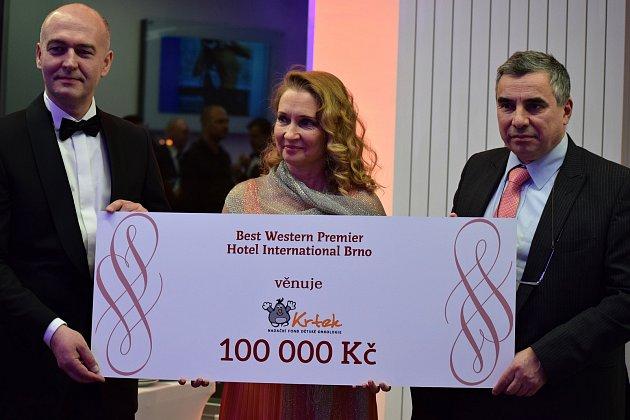 brno-ples-hotel-international-56-rocnik-festa-veneziana-25_denik-630